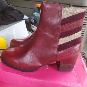 Jambu leather boots